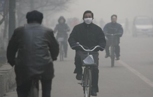mask wearing man allegy pollution